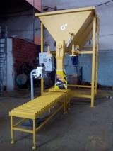 Фасовщик холодного асфальта универсальный ХАТ-3000У